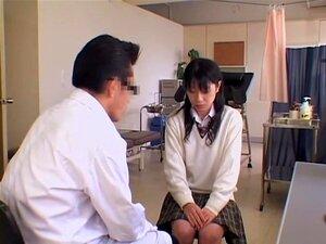 Hardcore Buceta Dedilhado Para Uma Garota Japonesa Durante Gyno Exame, Cute E Adorável Gata Japonesa Obtém A Cona Peluda Dedos Duro No Exame Buceta Vídeo E Ela Parece Gostar Bastante. O Doutor é Totalmente Pervertido E Ele Gosta Muito. Porn