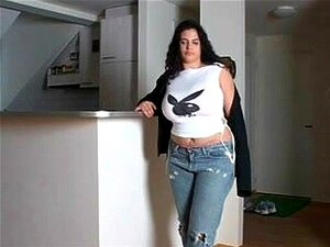 """Mamãe Peituda Tiras Até Suas Meias, Este MILF Peituda Tirou A Roupa Mas Ficou Em Suas Meias """"sexy"""" Para Jill Fora. Porn"""