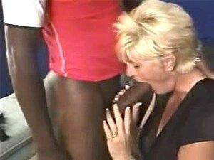 Lori Velha De Mamas Grandes Para Trás Por Uma Quantidade Maior Porn