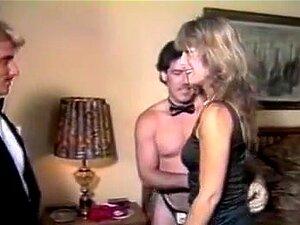 Retro Girl Entre Duas Bichas Duras. Um Verdadeiro Banquete Para Todos Os Fãs De Filmes De Sexo Vintage! Uma Enorme Colecção De Vídeos Pornográficos Clássicos Mais Quentes Com As Maiores Estrelas Da Era Dourada Da Pornografia. Porn