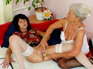 MILF E Granny 69 Em Cena Lésbica Porn