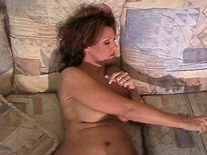 MILF Soprando E Fumando Porn
