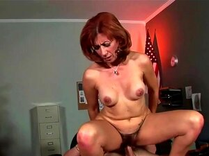Mãe Madura Tem Cona Peluda Limpeza Porn
