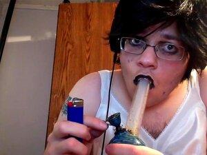 Vestida Como Uma Gótica Para Fumar Um Tac.1, Porn