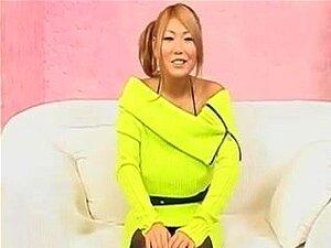 Uma Japonesa Com Os Maiores Nipps E Mounds. Esta Beleza Japonesa Tem Grandes Amigos De Sutiã Floppy Com As Tetas Enormes Que Já Vi. No Início, Aquela Miúda Age Constrangida, Mas Eventualmente Ela Esfrega, Puxa, Lambe, Engole E Morde-as. Diverte-Te! Porn
