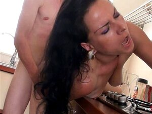 Mãe Alemã Com Cabelo Preta Fodido Rígido! Porn