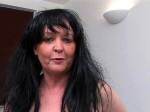 Mãe Vadia Madura Europeu Esfregar Sua Buceta Velha Porn