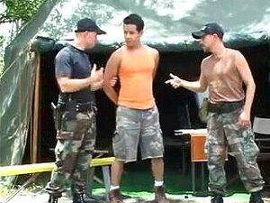 Polícia Do Exército Copula Cara Juvenil, Porn