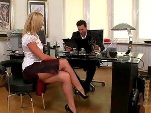 Secretário De Checa Quente Fodido Pelo Chefe, Porn