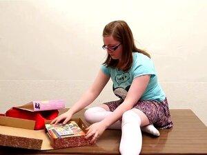 Meninas No Oeste - Plump Amador Menina Brinquedos Sua Boceta Peluda, Porn