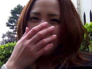 Adolescente Japonês A Piscar. Cuecas Adolescentes Japonesas A Piscar Enquanto Estão Ao Ar Livre Em Público Em Hd Porn