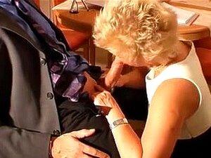 Excitada, A Mãe Quer Sexo Anal Com O Rapaz., Vieille Salope Veut Du Sex Anal Porn
