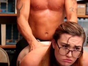 Shoplyfter Teen Inspecionado Profunda E Minuciosamente Para Roubar Porn