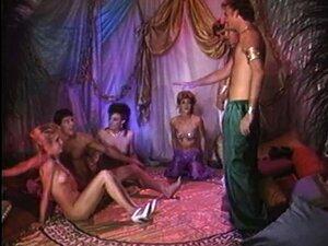 Dupla Penetração Transando Com Buraco Gata Aproximadamente Em Sexo Em Grupo - Bunny Bleu Porn