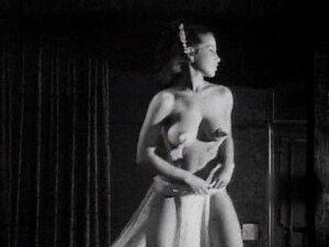 MAMAS De Helicóptero - Peitões Naturais Striptease Vintage Anos 60 Porn