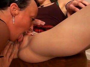 Heidi O, Candi Cox Em FunMovies Video: Strapon Sex. A Adolescente Fode Uma Mãe Lésbica Com Um Cinto. Porn