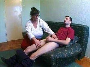 Big Tit Granny E O Faz-tudo, Porn