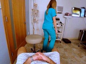 VRBangers Enfermeira Seduing Para Foder Ela No Banco De Esperma Porn