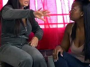 SuperMILF Lisa Ann Quente Interracial Lésbicas Com Aryana Porn