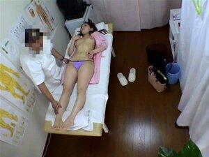 """O êxtase Do Sexo Selvagem Para Boneca Asiática Enquanto Massagem Quente """"voyeur"""" Porn"""