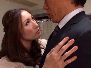 Imaculada Esposa Japonesa Gags No Grande Pau Do Seu Marido. Porn