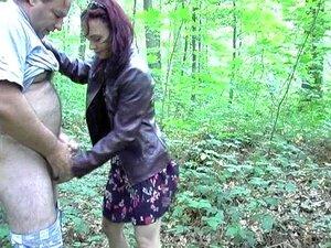 Traindo A Esposa Com Homem Gordo Pervertido Na Floresta Porn