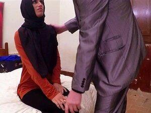 Beleza árabe A Saltar Em Cima De Uma Pila Grande Porn
