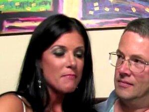 O Marido Corno Vê A Mulher A Fazer Sexo Porn