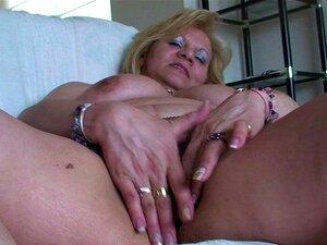 Velha Mãe Gordinha Masturbando E Brincando Com Ela Mesma Porn