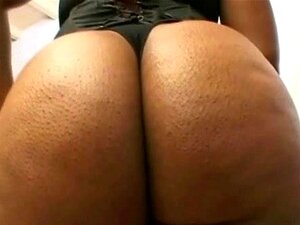 Bunda Redonda Grande Black Babe Chupando Porn