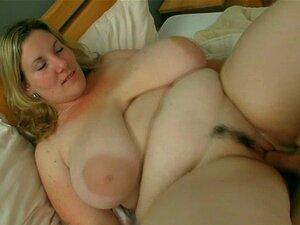 Ela Agrada Dele Com Enormes Tetas E Buceta Gorda Porn