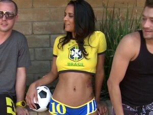 Abby Lee Brasil Sopra 2 Caras Em Público Porn