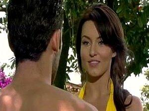 Angelique Boyer Bikini Amarillo Porn