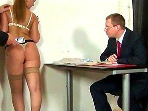 Entrevista De Emprego Perverso Para Jovem Secretária Porn
