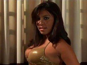 Uma Belíssima Brasileira Vixen A Fazer Sexo Anal, Nesta Cena, Uma Rapariga Verdadeiramente Bonita Do Brasil Mostrou Os Seus Talentos Sexuais. Esta Miúda Busty Fez Sexo Anal E Foi Faciada. Porn