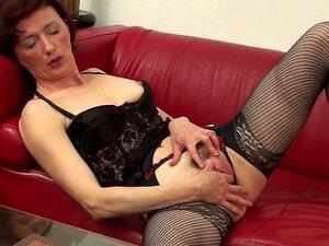 Suja Vovó Brincando Com Sua Buceta Velha Porn