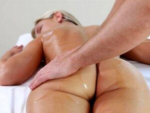A Massagem Sensual Molhada Transforma - Se Num Caso Sexual Apaixonado - Lola Porn