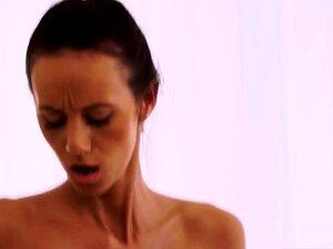 Traidora E Velha E Peluda Masturbação Da Avó Porn