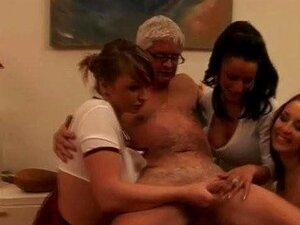 Meninas Marotas Da Cfnm Sujam-se. Porn