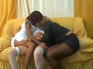 3 Lésbicas Brasileiras Beijando Porn
